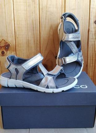 Шикарные кожаные сандалии босоножки ecco оригинал для девочек