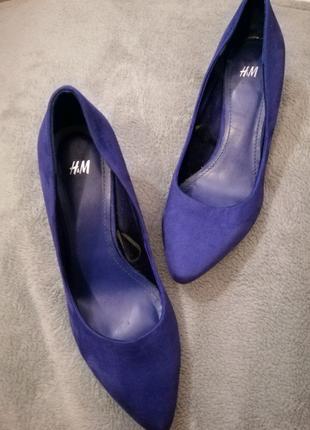 Туфлі лодочки фірми Н&М темно сині штучна замша 38 розмір