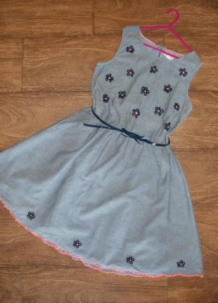 Платье с вышивкой на 13-14 лет
