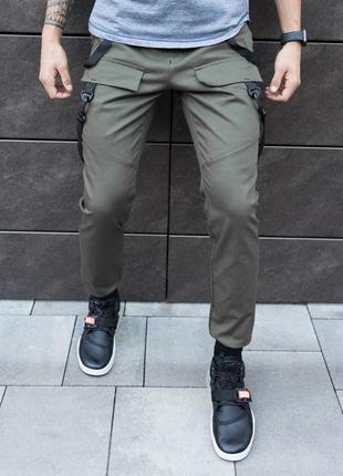 Стильные мужские джинсы цвета хаки