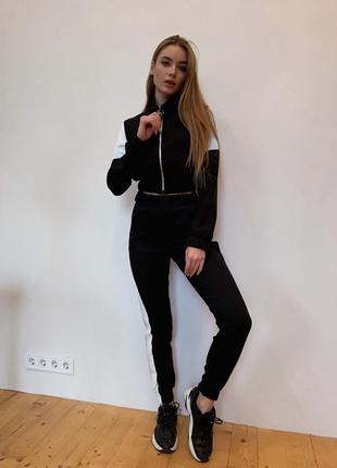 Стильный женский прогулочный спортивный костюм