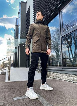 Крутая мужская куртка цвета хаки