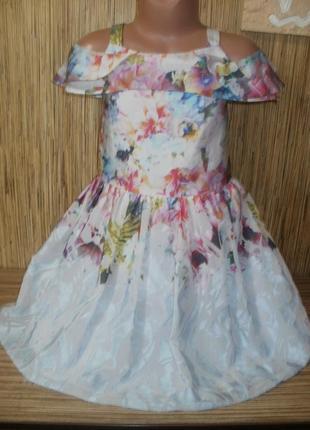 Стильное нарядное платье на 9 лет