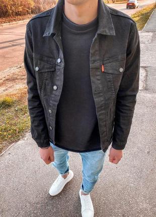 Крутая мужская джинсовая куртка