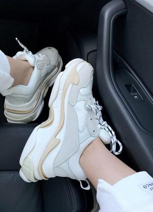 Крутые женские кроссовки баленсиага