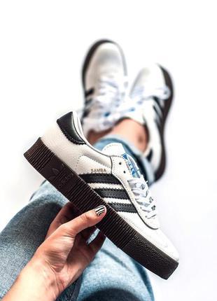Крутые женские кроссовки кеды
