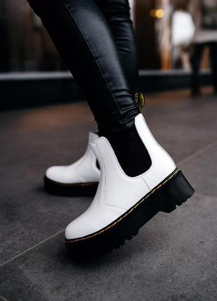 Шикарные женские ботинки с мехом мартинсы