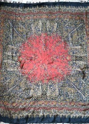 Красивый большой платок/косынка шелковая