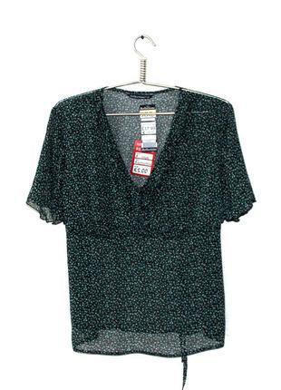 Reflections. просвещающая блуза с воланами в зоне декольте. на...