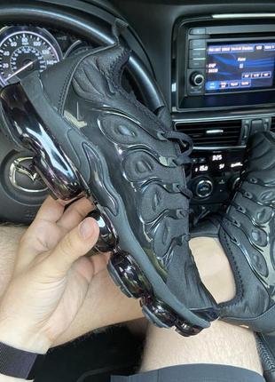 Nike vapormax tn plus triple black