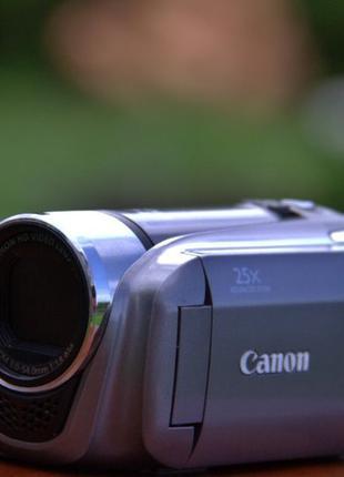 Видео камера Canon full HD
