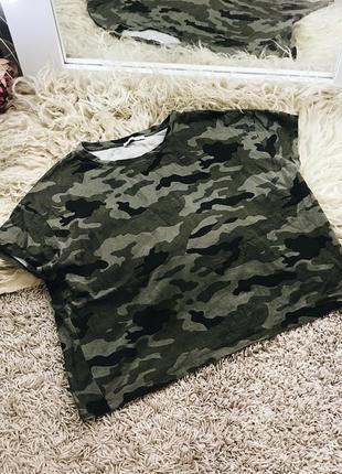 Камуфляжная футболка от zara