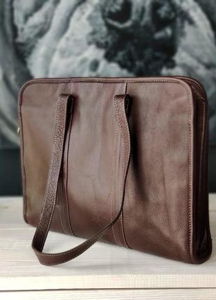 Шикарная кожаная сумка-папка.