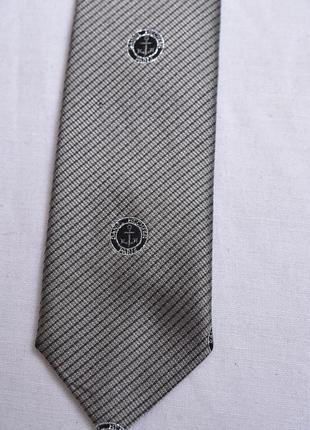 Стильный галстук daniel hechter
