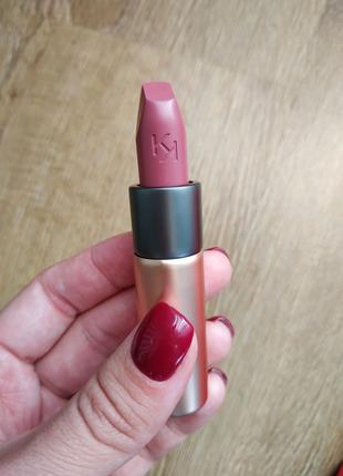 Матовая помада Velvet Passion Matte Lipstick KIKO Milano