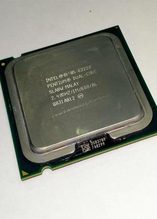 Процессор Intel Pentium E2220 2 ядра по 2.4GHz Socket 775