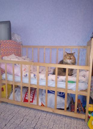 Продам детскую кроватку б/у в отличном состоянии.