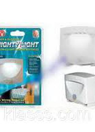 Автоматический светильник Mighty Light с датчиком движения