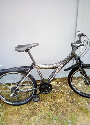 Продам велосипед 24 дюйма колеса.