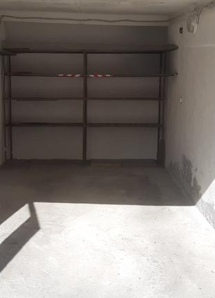 Сдам гараж на Печерске