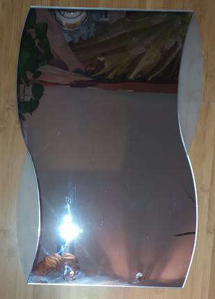 Зеркало красивое,  с отделкой,  размеры 0,6 х 0,4 м