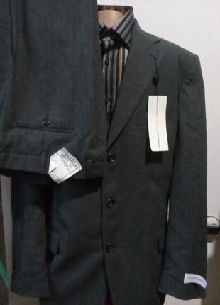 Мужской костюм сверяйте по замерам Emanuel Ungaro