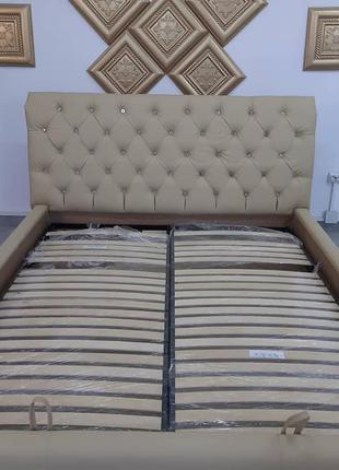 М'яке двоспальне ліжко з підйомним механізмом Chesterfield