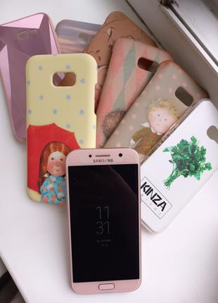 Смартфон Samsung Galaxy A5 2017 32 Gb + в подарок чехлы на фото