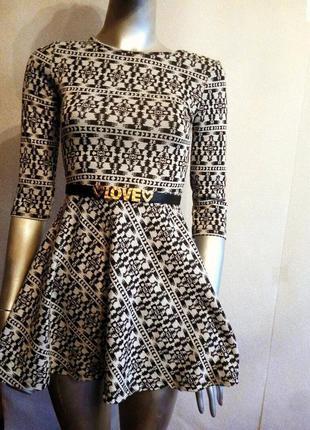 Короткое мини платье с пышной юбкой солнце клеш черное белое д...