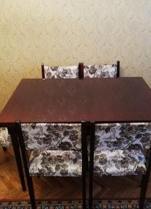 Продам стол и стулья из натурального дерева Румынского гарнитура