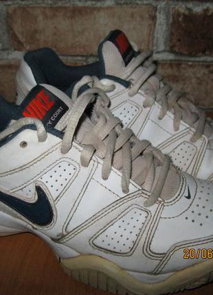 Кроссовки Nike 35 р