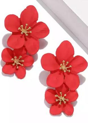 Массивные серьги красные цветы