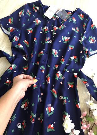 Очень красивое синее платье с цветами, платье с поясом,