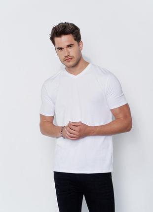 Котоновая базовая футболка с v образным вырезом 3хл