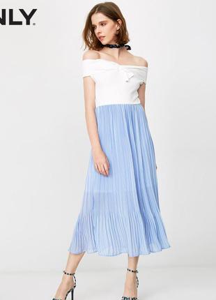 Нежное плиссированное платье