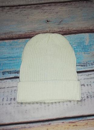 Модная стильная женская шапка молочного цвета с серебристый лю...