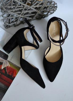 Замшевые босоножки туфли pier one