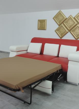 Красивый кожаный раскладной диван + кресла Master
