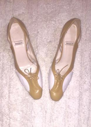 Туфли на среднем каблуке из высококачественной натуральной кож...