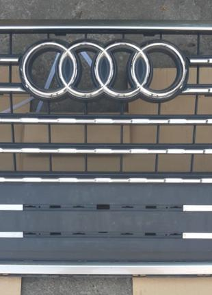 Audi Q7 Решетка радиатора 4M0853651JFUQ