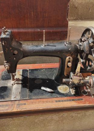 Швейна машина Fabrik Marke original Victoria
