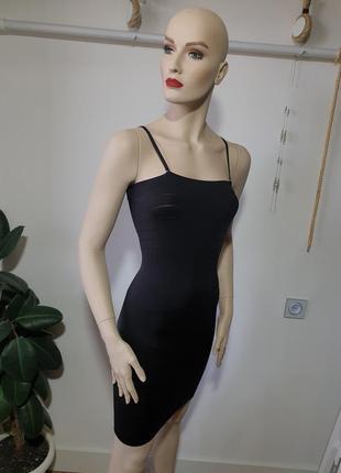 Корректирующее платье с утяжкой triumph