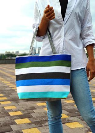 Женская эко-сумка для покупок серая разноцветным принтом