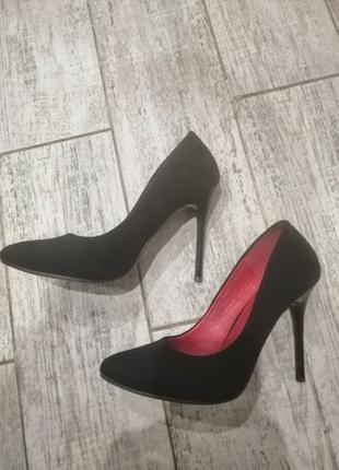 Лодочки туфли шпильки чёрные замшевые