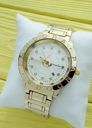Качественные женские часы под золото с белым циферблатом, отоб...