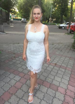 Платье вечернее выпускное свадебное белое с кружевом