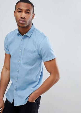 Мужская джинсовая рубашка с коротким рукавом на пуговицах с ка...
