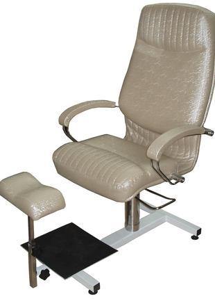 """Кресло педикюрное Opus Studio """"Кардинал"""" на стелаже"""