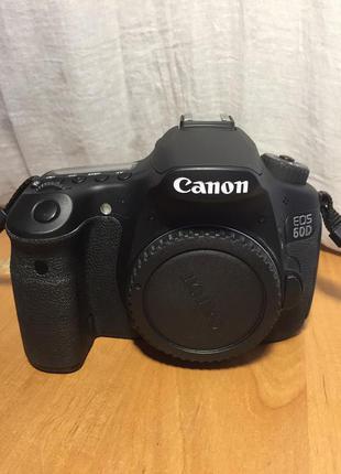 Зеркальный фотоаппарат Canon EOS 60D body