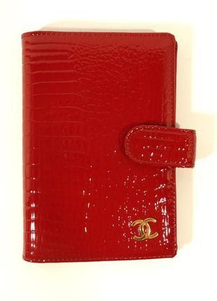 Визитница кожаная женская  9001 красная, расцветки
